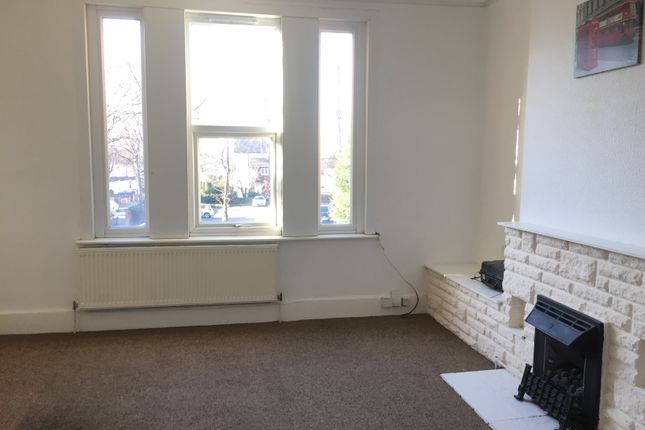 2 bed flat to rent in Flat 3, 62 Thorne Road, Doncaster, South Yorkshire DN1