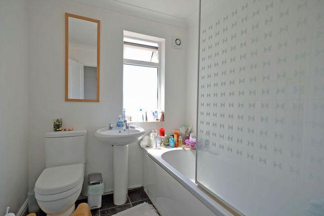 Bathroom (Apartment Bathroom)