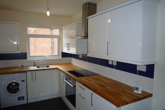 Thumbnail Flat to rent in Laburnum Grove, Portsmouth