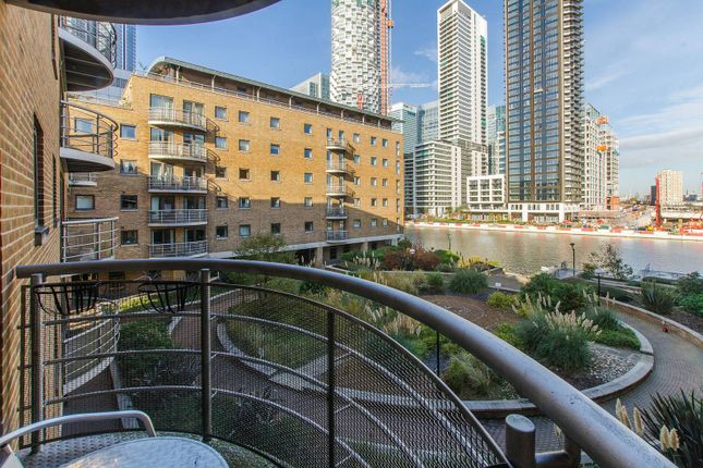 Thumbnail Flat to rent in Meridian Place, Canary Wharf, London E149Fe