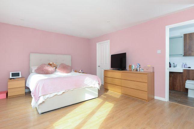 Annexe Bedroom With En-Suite