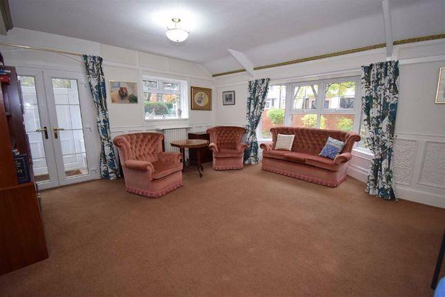 Lounge of North Avenue, South Shields NE34