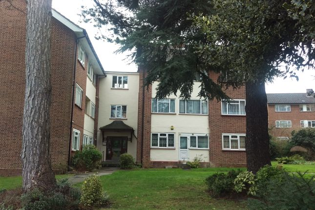 Thumbnail Flat for sale in Rydal Close, Hendon