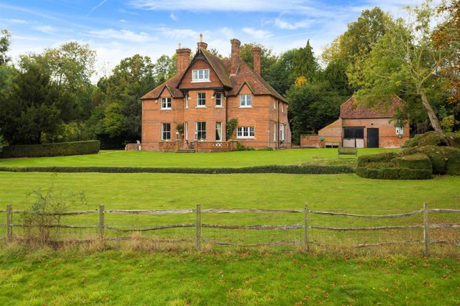 Thumbnail Detached house to rent in Throwley Road, Throwley, Faversham