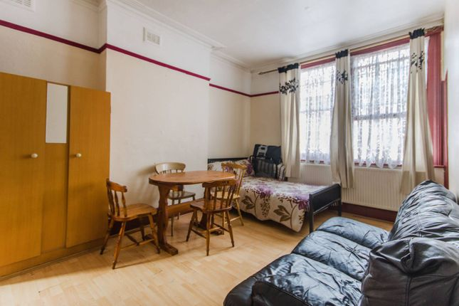 Thumbnail Property for sale in Rosenthal Road, Catford
