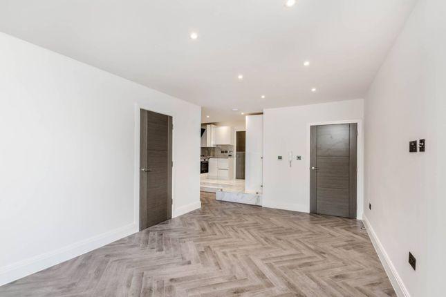 1 bed flat to rent in Roxborough Road, Harrow HA1