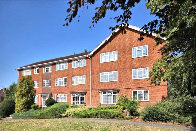 Flat to rent in Brooklyn Court, Woking