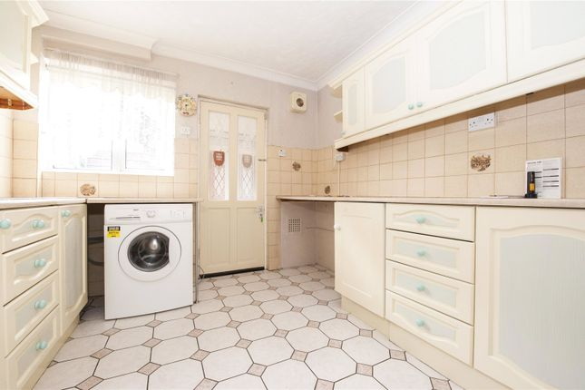 Thumbnail Terraced house to rent in Valley Drive, Gravesend, Kent