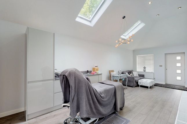Thumbnail Detached house for sale in The Crest, Sawbridgeworth