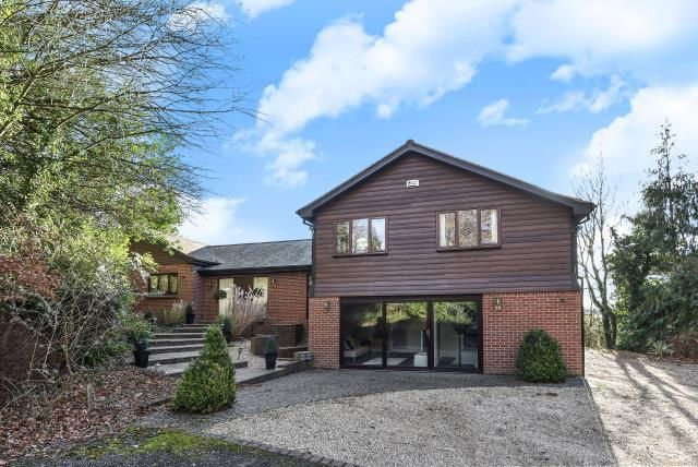 Thumbnail Detached house to rent in Sonning Common, Henley-On-Thames