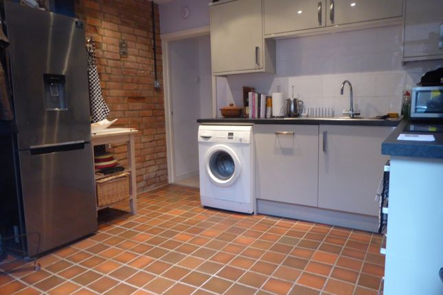 Kitchen of Queen's Cottages, Reading RG1