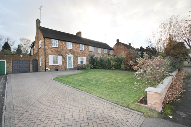 Thumbnail Semi-detached house for sale in Kingwell Road, Barnet