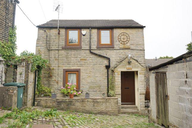 Picture No. 10 of Edge End, Denholme, Bradford, West Yorkshire BD13