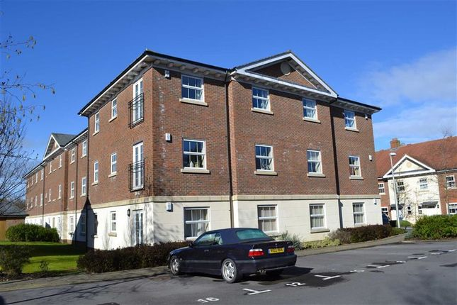2 bed flat to rent in Jago Court, Newbury