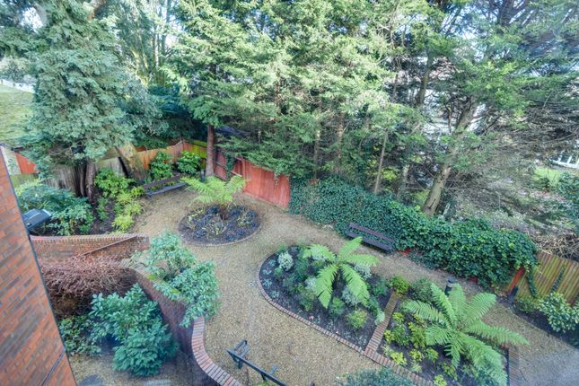 Thumbnail Flat for sale in 562 Finchley Road, London