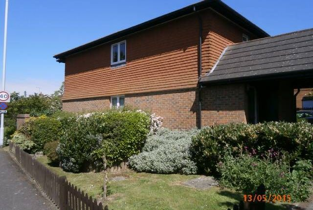 Thumbnail Flat to rent in Shakespeare Way, Warfield, Bracknell