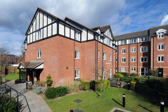1 bed flat for sale in Springfield Road, Southborough, Tunbridge Wells TN4