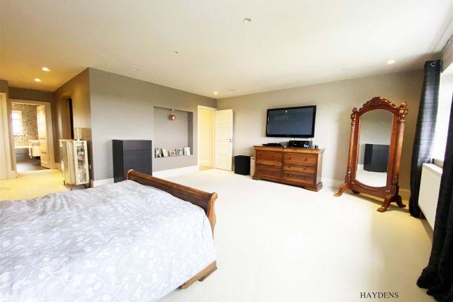 Bedroom 1 of Broadfields, Goffs Oak, Waltham Cross EN7