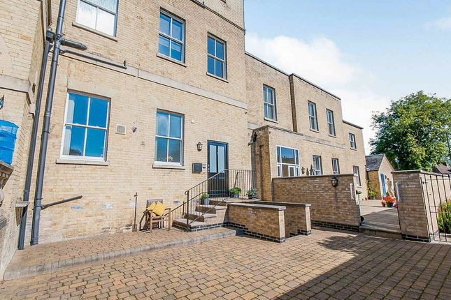 Thumbnail Flat for sale in Old Convent Fields, Wisbech