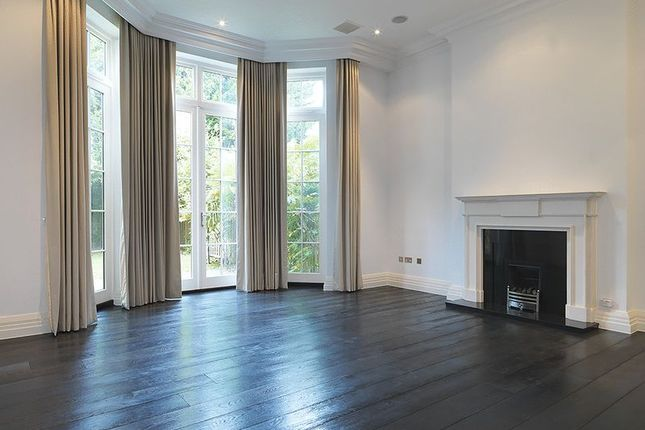 Thumbnail Town house to rent in Princess Square, Esher