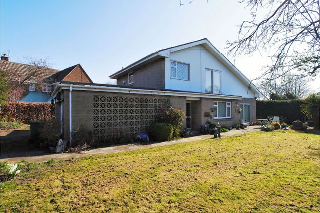 Thumbnail Detached house for sale in Dunston Road, Upper Newbold, Chesterfield