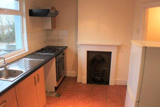 Thumbnail Duplex to rent in Somerset Road, Ashford