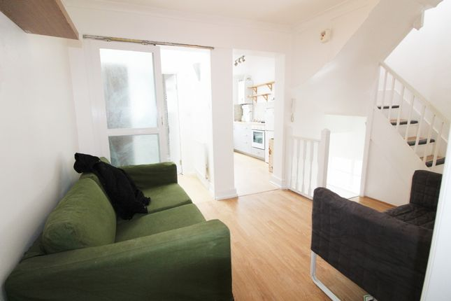 Thumbnail Flat to rent in Hoxton Market, Shoreditch
