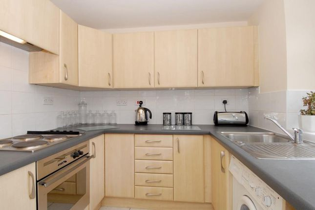 Thumbnail Flat for sale in Woodstock Close, Summertown