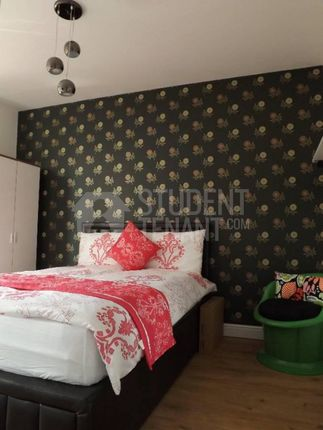 Thumbnail Shared accommodation to rent in Egerton Road, Manchester
