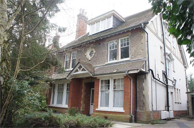 Thumbnail Flat to rent in Inglis Road, Colchester, Essex.