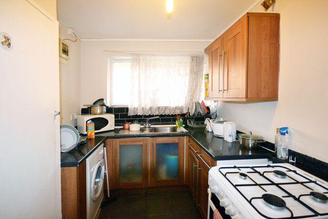 Thumbnail Shared accommodation to rent in Aberfeldy Street, London