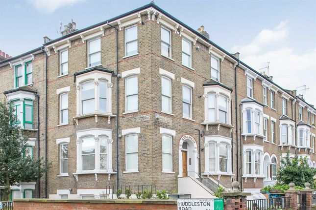 Thumbnail Flat to rent in Tufnell Park Road, London