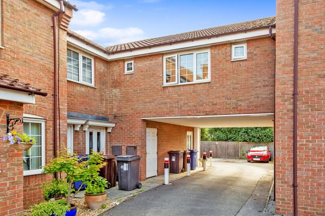 Thumbnail Flat for sale in Oakfield Lane, Hemingbrough, Selby