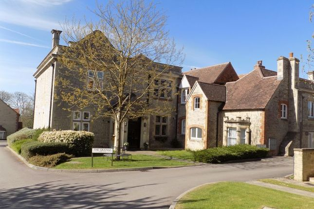 Thumbnail Flat for sale in Wyld Court, Blunsdon, Swindon