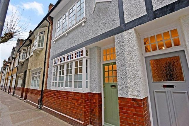 Thumbnail Terraced house to rent in Old Woolwich Road, Greenwich, London