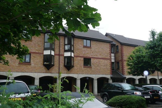 Thumbnail Flat to rent in Monmouth Grove, Brentford