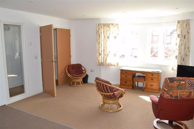Lounge/Kitchen of 11, Valentine Court, Llanidloes, Powys SY18