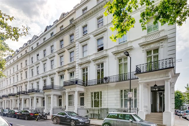 Thumbnail Flat to rent in St Stephens Gardens, London