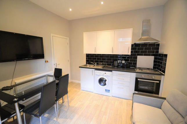 Thumbnail Terraced house to rent in Suffolk Street, Salford