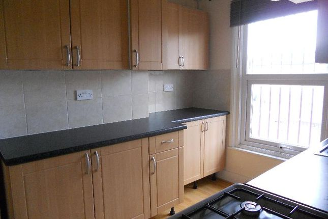 Thumbnail Flat to rent in Station Road, Chadwell Heath, Essex