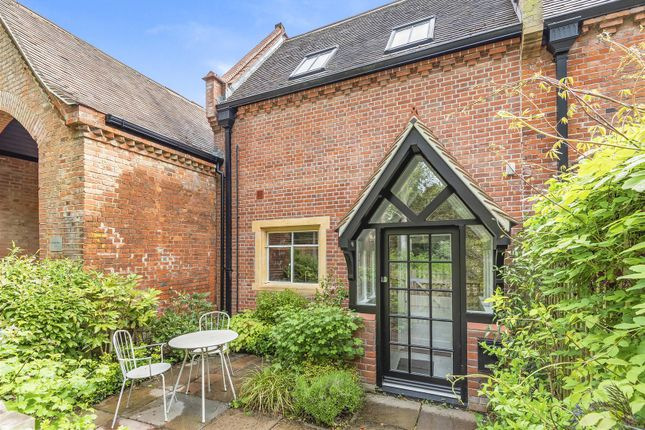 Thumbnail Flat for sale in Durrants House, Gloucester Court, Croxley Green