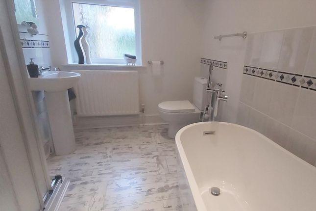 Bathroom of Foxhall Road, Ipswich IP4