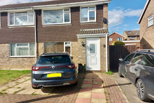 3 bed property to rent in Bates Avenue, Ringstead, Kettering NN14