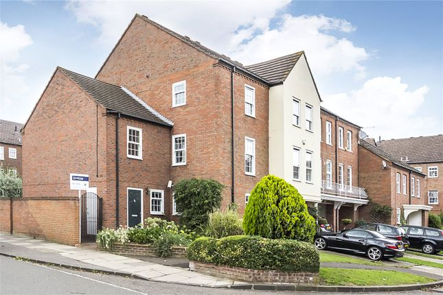 Thumbnail Property for sale in College Close, Twickenham