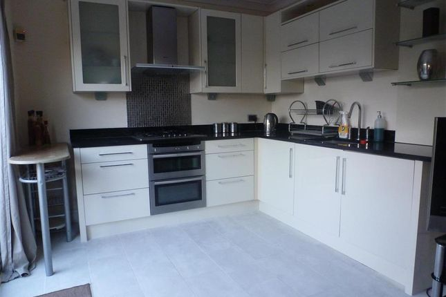 Thumbnail Semi-detached house for sale in Cleveland Road, Welling, Kent