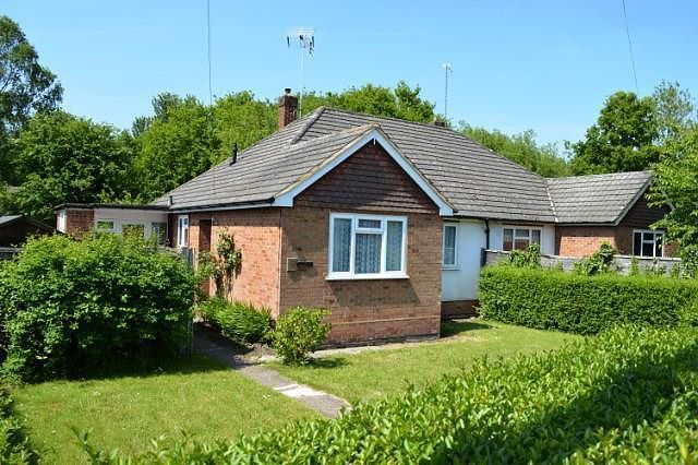 Thumbnail Bungalow to rent in Vale Road, Ash Vale, Aldershot