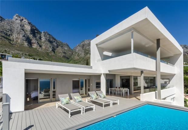 Photo of 2 Ravensteyn Road, Camps Bay, Cape Town, Western Cape, 8005