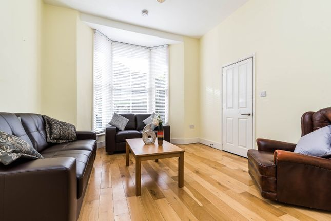 Thumbnail Flat to rent in Medina Road, Finsbury Park, London