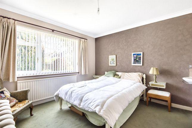 Picture No. 10 of Homewood Crescent, Chislehurst BR7