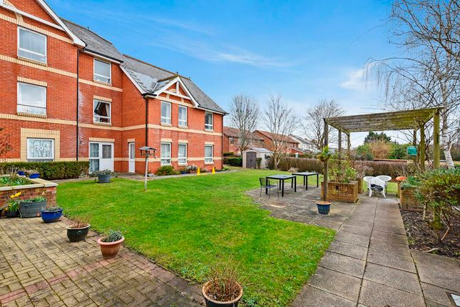 Thumbnail Flat to rent in Halcyon Terrace, Reading